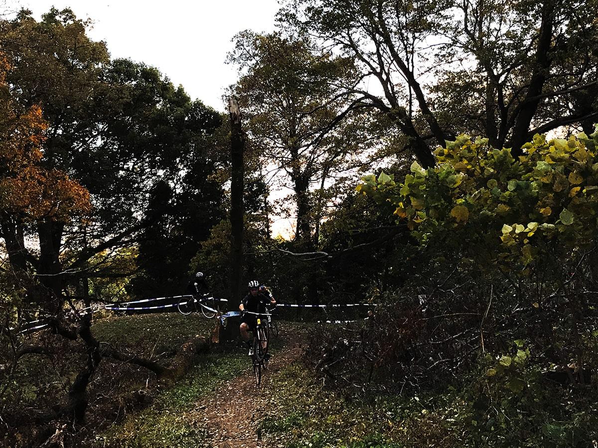 秋ヶ瀬8-ウイリー